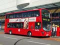 First London VN36142 on Route 25